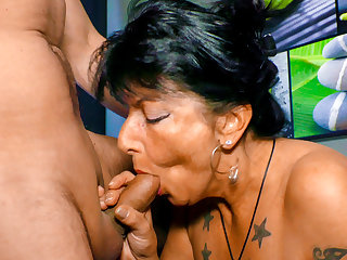 Close-ups LETSDOEIT - Horny Germany Granny Loves Fucking on the Couch