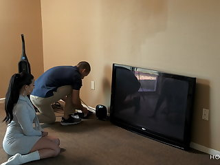 Puerto Rican Curvy Latina wife cheats on her husband with the cable guy