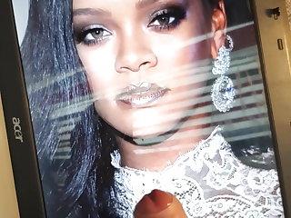 Dildo Rihanna - Cum Tribute 1