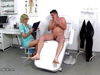 Medical Doctor Handjob - CHRISTA