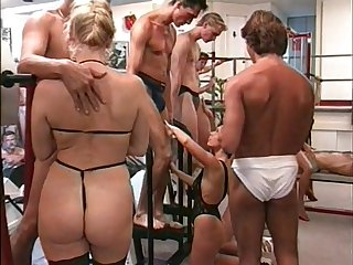 Close-ups Friday Night Workout Orgy